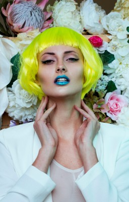 Colourful hair and flowers photo shoot - Yellow hair